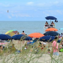 Bethany Beach mulls own tents, umbrellas ban