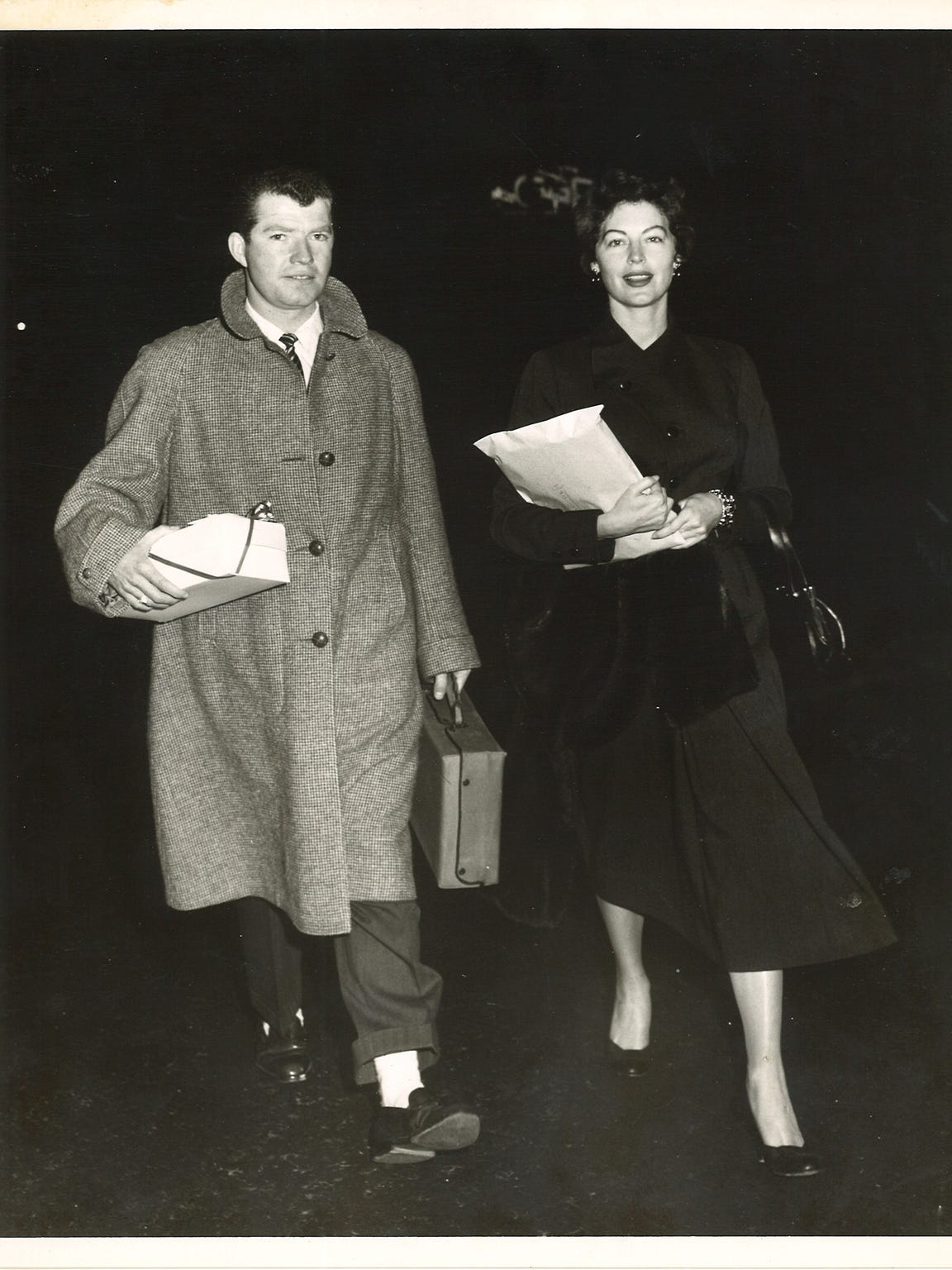 Jim Mahoney takes Ava Gardner to the airport to grab