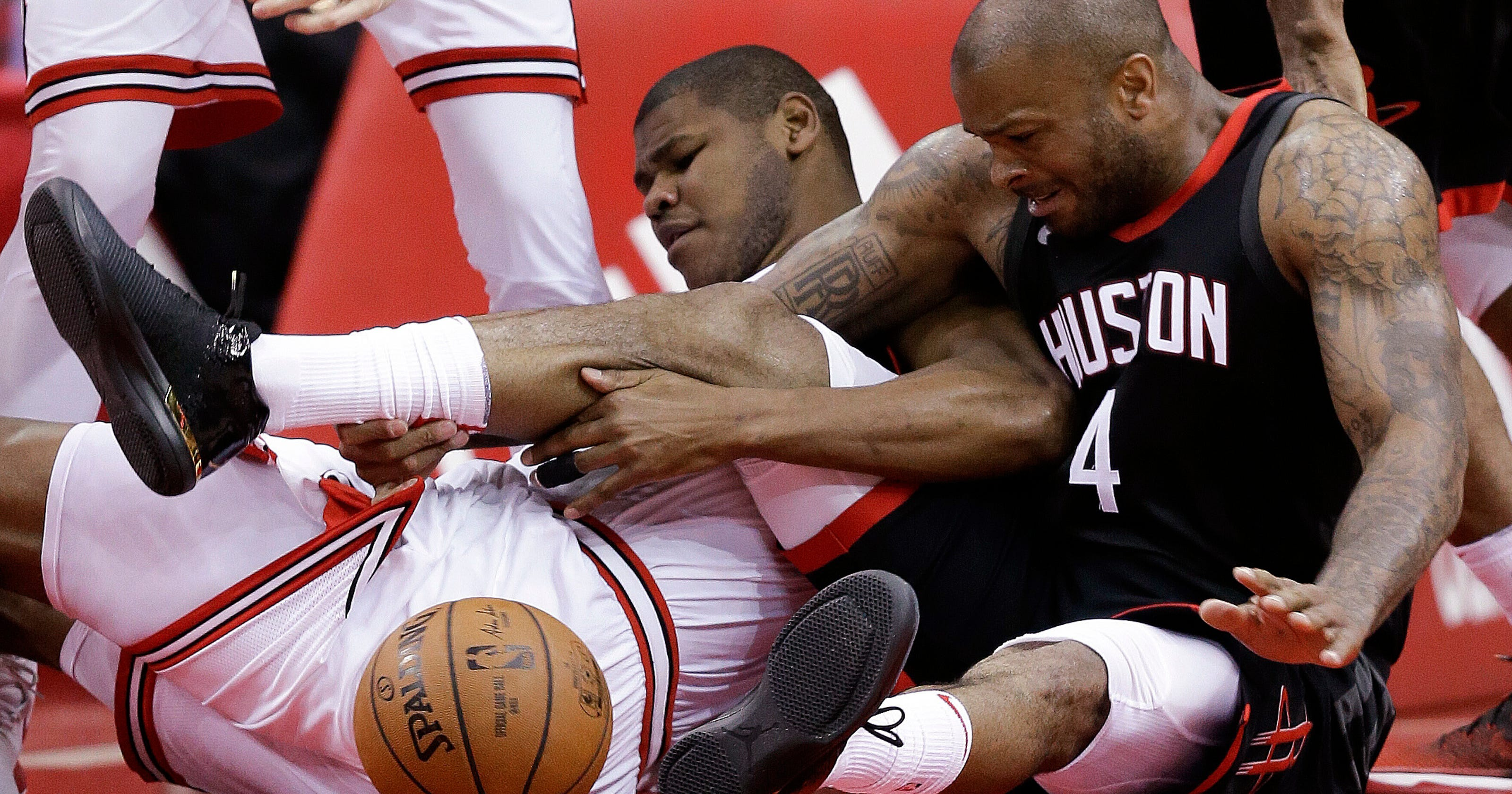57cf04cbb936 Rockets extend streak to 10 games with 118-86 win over Bulls