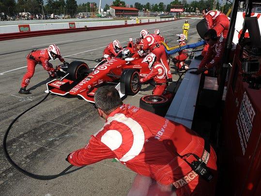 -MNCO IndyCar race story pit stop.jpg_20140803.jpg