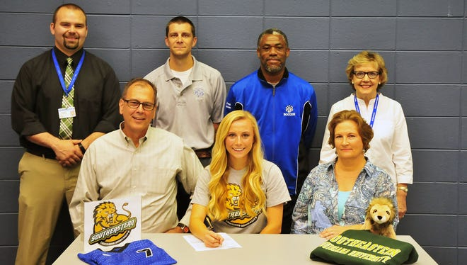 Polk County senior Caroline Lee has signed to play college soccer for Southeastern Louisiana.