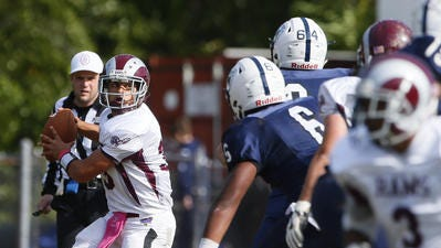 South River High School quarterback Michael DeSantis in a 2016 game against Mater Dei Prep.