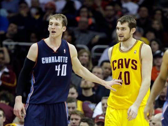 IndySportsDay: Is Charlotte 'growing weary' of Cody Zeller?