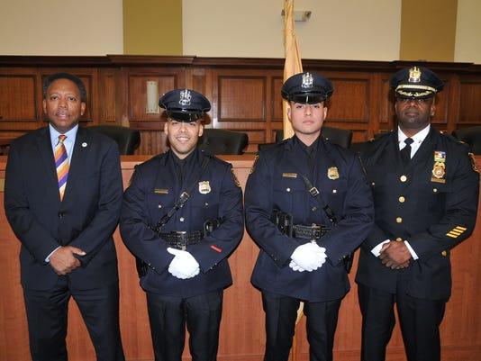 636486096946185651-Linden-s-new-police-officers.jpg