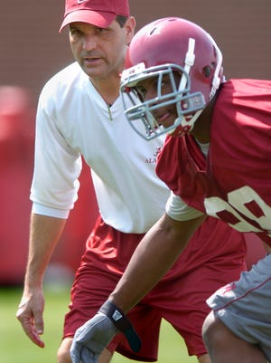 Alabama defensive coordinator Kevin steele works with players on the first day of spring practice in Tuscaloosa, Ala. on Saturday March 24, 2007. (Montgomery Advertiser, Mickey Welsh)