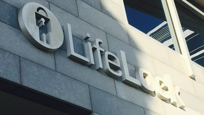 The Federal Trade Commission accuses Tempe-based LifeLock of failing to protect customer data.