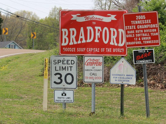 On the road from Skullbone to Bradford, visitors are