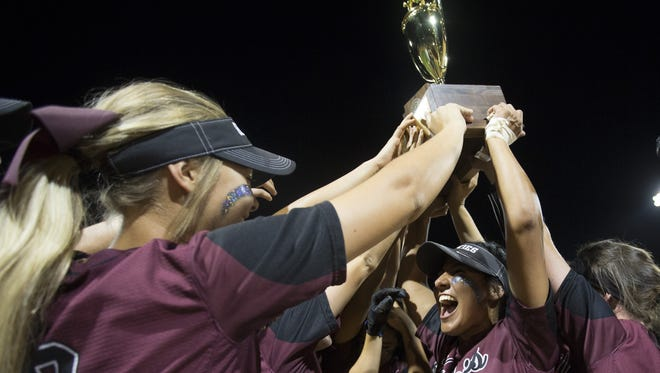 Hamilton celebrates winning the Division I State Championship game over Pinnacle at Farrington Stadium on May 16, 2016 in Tempe, Ariz.
