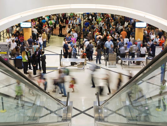AP APTOPIX AIRPORT SECURITY-LONG LINES-Q A F A USA GA