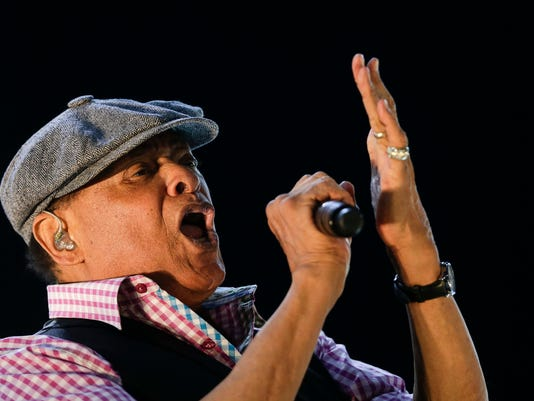 AP PEOPLE AL JARREAU I ENT FILE BRA