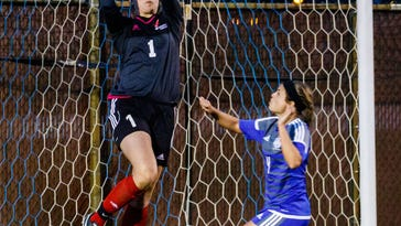 Arrowhead girls soccer features plenty of depth this season
