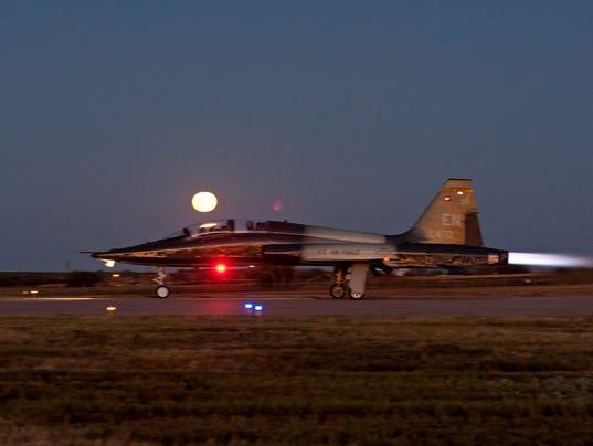 T-38C Talon night flying