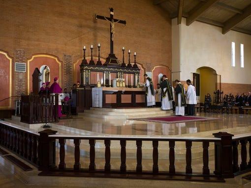 Un prêtre de la Fraternité Saint-Pierre assassiné ; union de prières 1402957586003-phxdc5-6fre94c76eph024zkg4-original