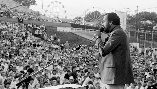 Ray Stevens hosts the MCA Records Show during Fan Fair at the Tennessee State Fairgrounds on June 12, 1985.