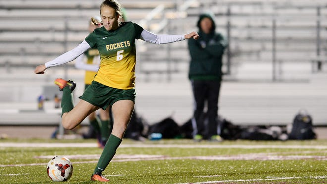 Reynolds' Annabelle Sparks lines up a shot Friday at Owen. The Rockets won, 2-0.