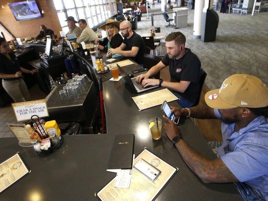 -Airport Reno 8.jpg_20160425.jpg