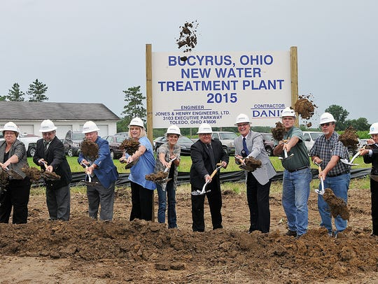 Bucyrus noteables break ground on the new water treatment