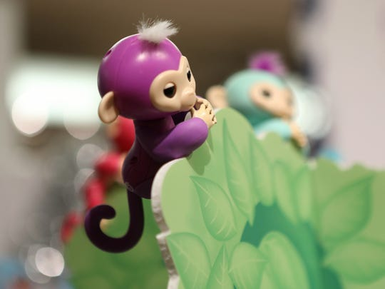 Fingerlings by WowWee, small animatronic monkeys and
