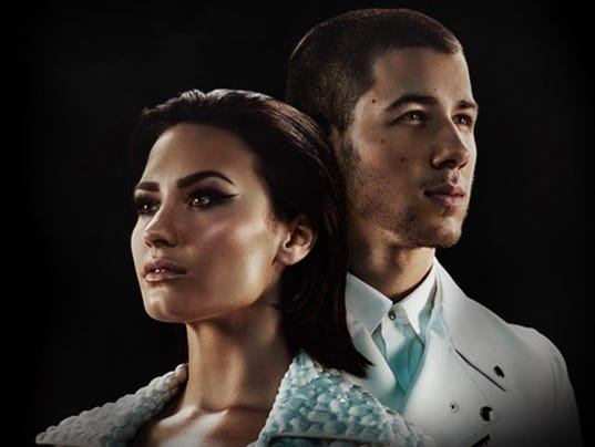 635869225872047994-Demi-Lovato-Nick-Jonas.jpg
