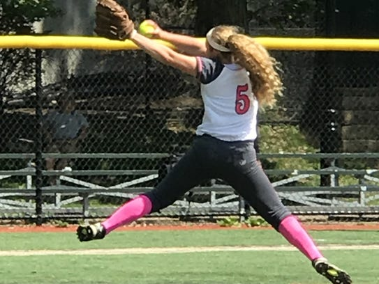 Bella Reese pitches for the TC Tremors.