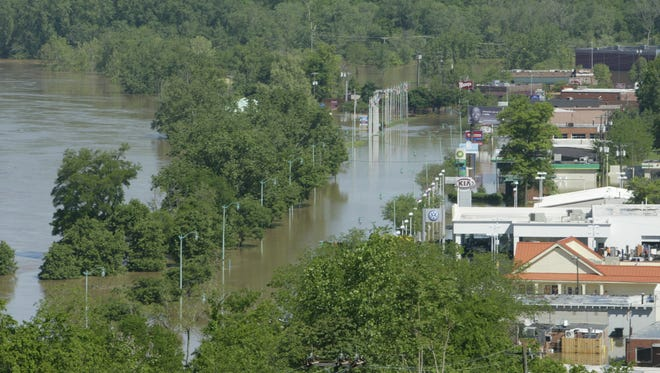 Looking north on Riverside Drive and the Cumberland River during the historic flood of 2010