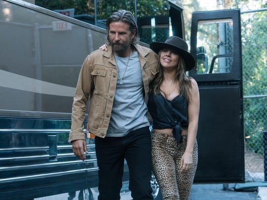 Jackson (Bradley Cooper) and Ally (Lady Gaga) enjoy