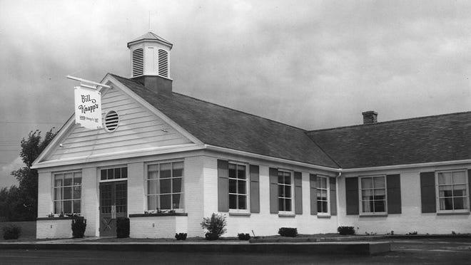 Bill Knapp's restaurant on US-16 near Frandor golf course on Grand River Avenue, June 15, 1955.