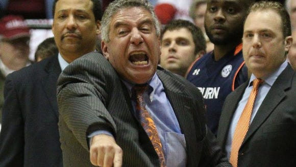Bruce Pearl reacts during Auburn's 57-55 loss Saturday