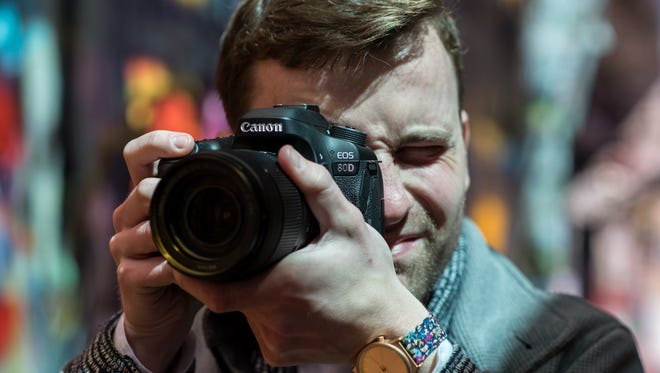 Canon's newest DSLR will please enthusiasts and videographers.