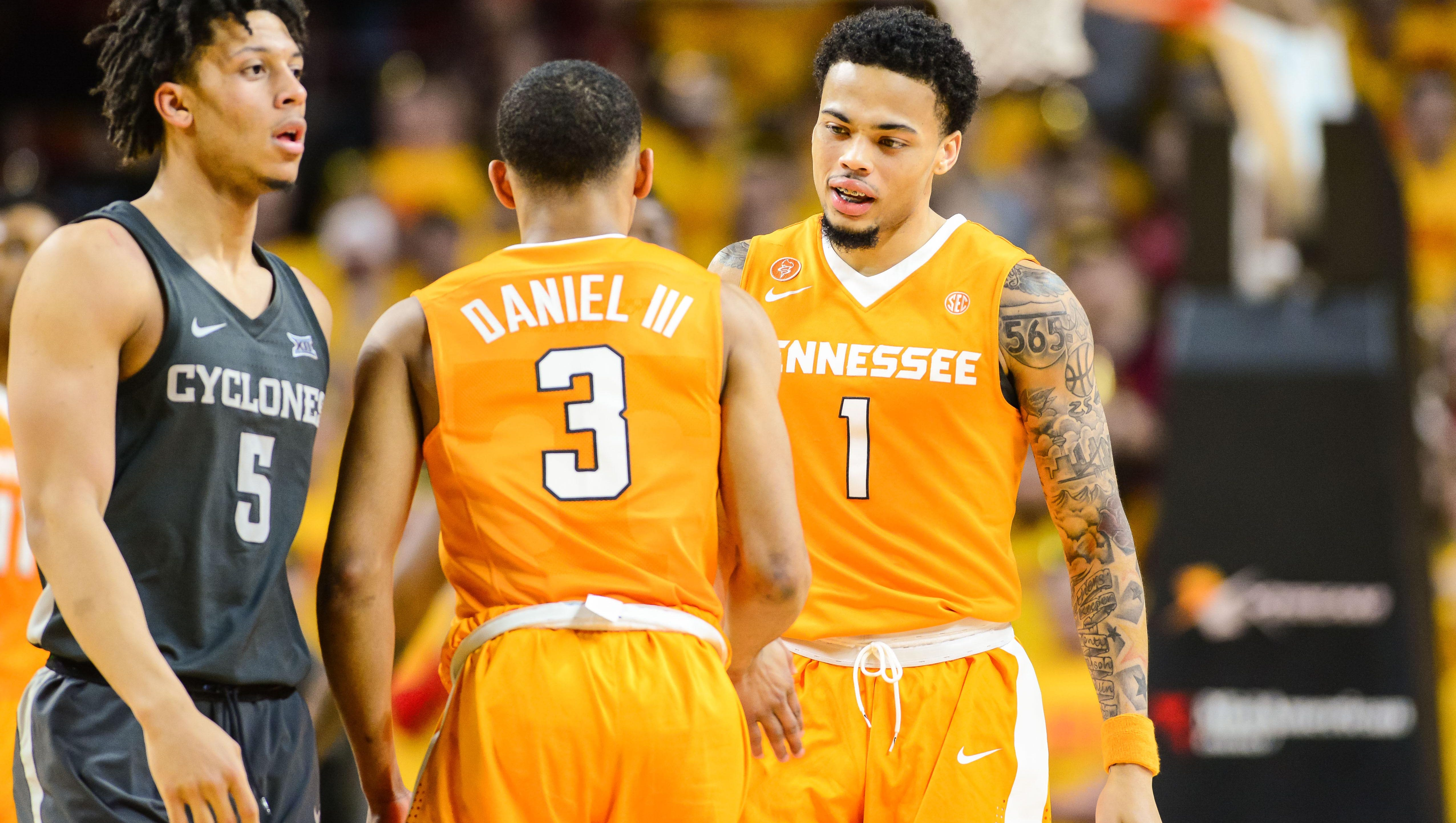 Rick Barnes content with Lamonte Turner coming off bench for Vols ...