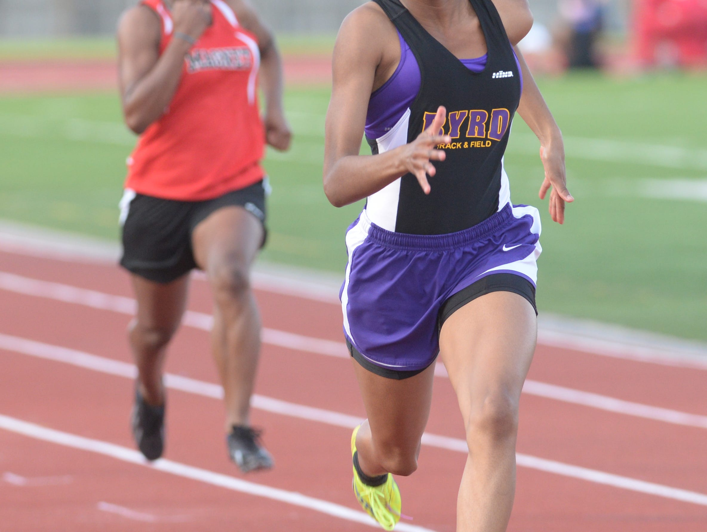 Byrd's Kyah Loyd takes a commanding lead in her 100M dash heat at the Shreveport relays.