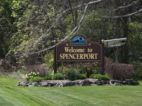 """A """"Welcome to Spencerport"""" sign on North Union Street."""