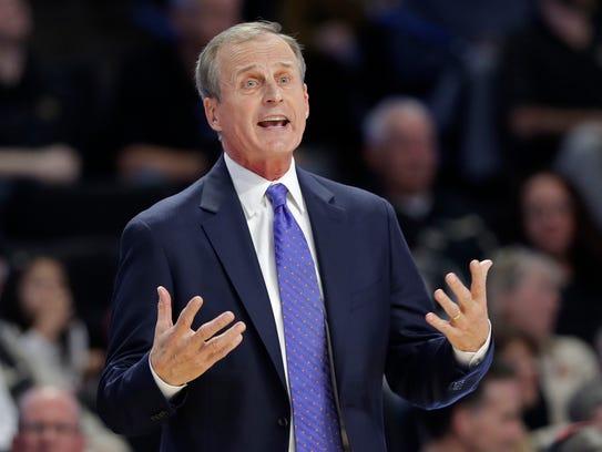 Tennessee head coach Rick Barnes argues a call during