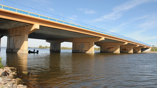 Lake Butte des Morts Bridge.