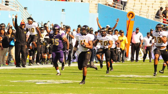 Grambling's Martez Carter returned two kicks for touchdowns in Grambling's 70-54 win over Prairie View A&M.
