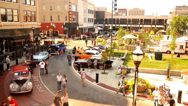 The Birthplace of Route 66 Festival, among other community events, takes place at Park Central Square in downtown Springfield.