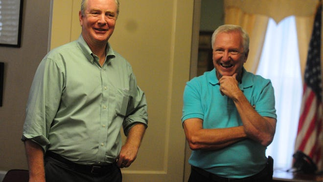 Representative Chris Van Hollen (left) meets with Mayor Gee Williams in visit to Berlin