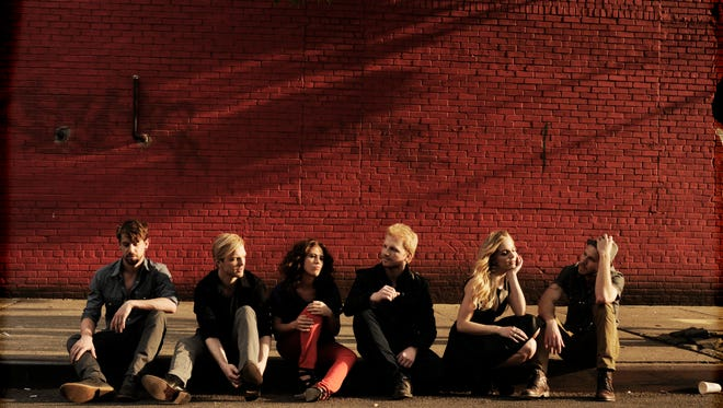 Delta Rae will perform at Vinyl Music Hall on Tuesday.