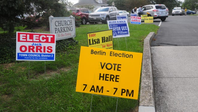Campaign signs on election day in Berlin, Tuesday, Oct. 4.