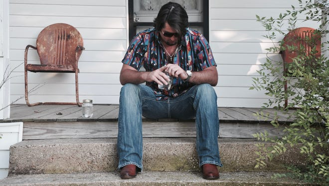 "East Texas singer-songwriter Koe Wetzel and his band will perform their brand of ""Texas rock 'n' Roll"" at 8 p.m. Wednesday at the State Line Bar-B-Q restaurant, 1222 Sunland Park."