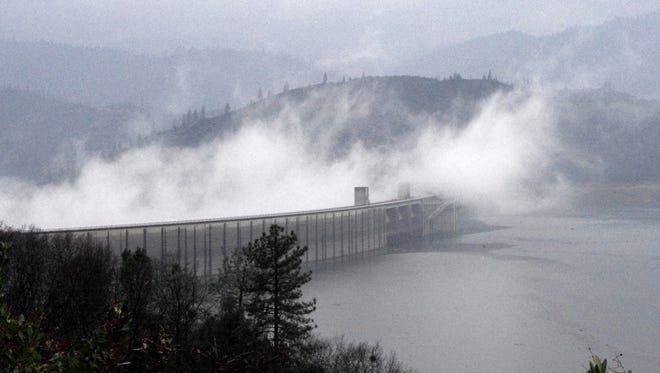 Federal officials are moving ahead with plans to raise the height of Shasta Dam.