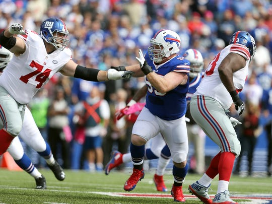 Bills defensive lineman Kyle Williams rushes the passer