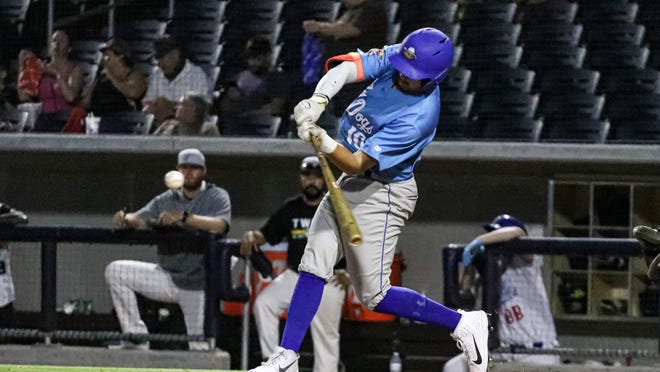 Enrique Porchas hit two home runs and drove in six runs to lead the Amarillo Sod Dogs to a 21-3 win over Texarkana on Tuesday night in a Texas Collegiate League game at Hodgetown.