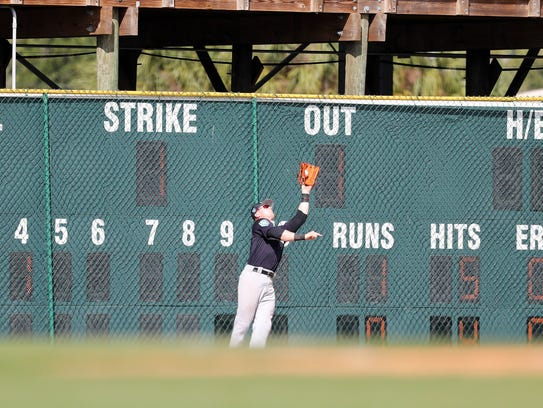 New York Yankees left fielder Clint Frazier (77) catches