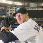 Baseball world reacts to the death of Roy Halladay