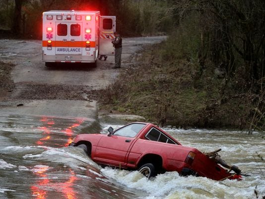 635560725794824854-water-rescue
