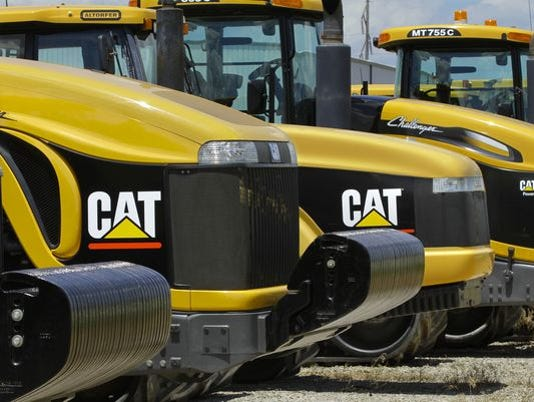 Caterpillar hurt by lower oil prices