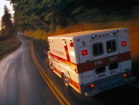 635651163938855560-ambulance