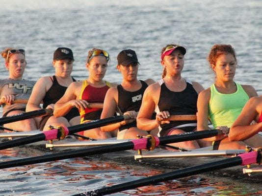 635674987812499055-rowing3