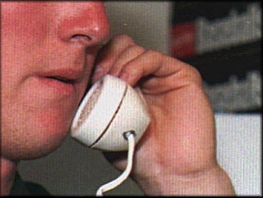 635684496207409763-phone-scam